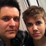 Justin Bieber Gets a Haircut, John Travolta Goes Bald at the Beach