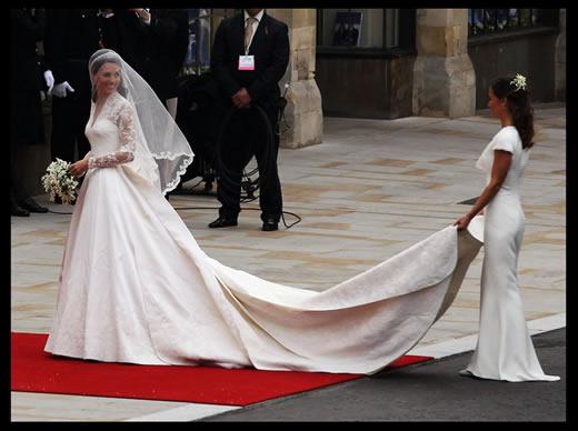 God Save McQueen: Sarah Burton Is the Royal Wedding Dressmaker ...