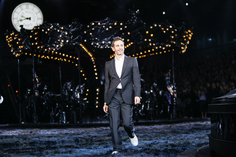 Marc Jacobs at the end of his final collection for Louis Vuitton